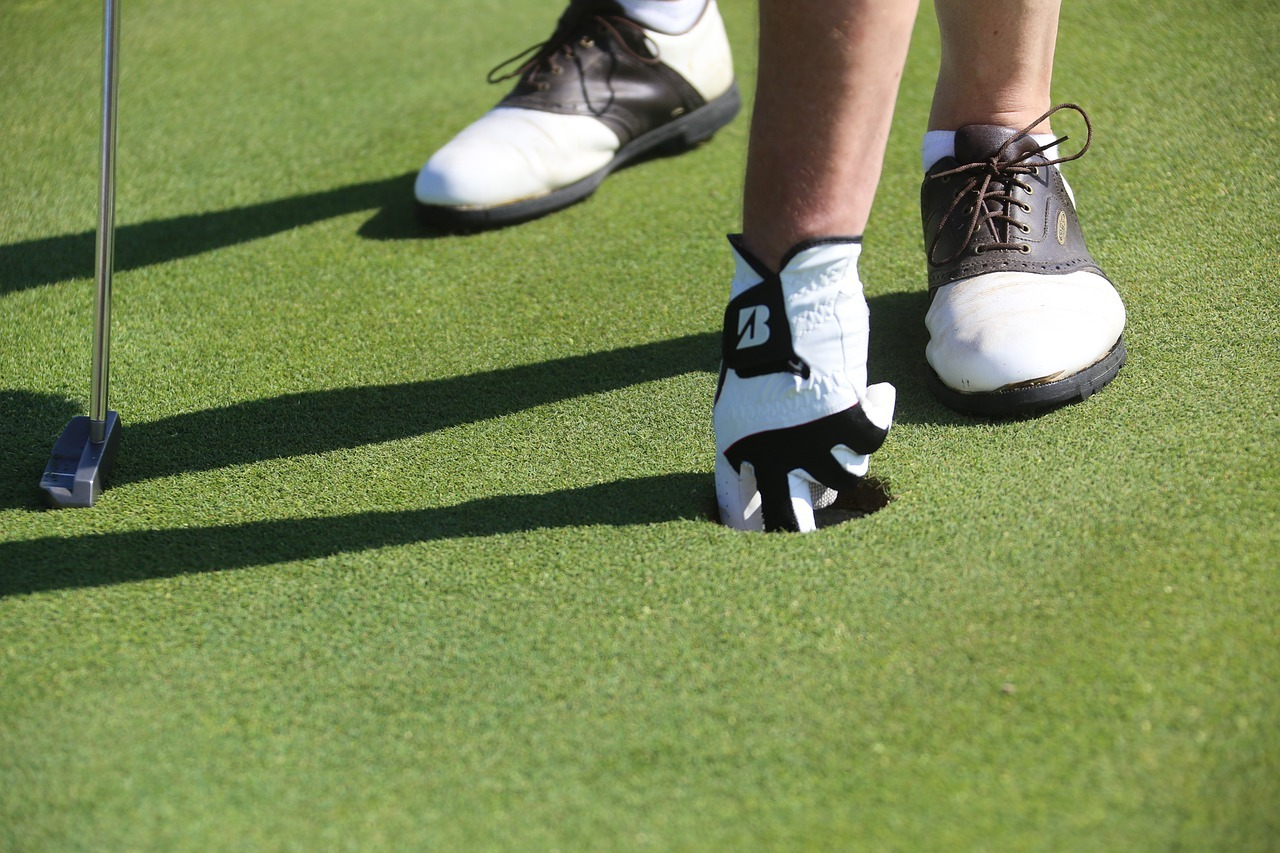 The 5 Best Golf Shoes for Plantar